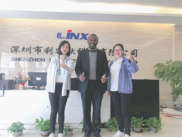 Shenzhen headphone manufacturers warmly welcome the second visit of Nigerian customers